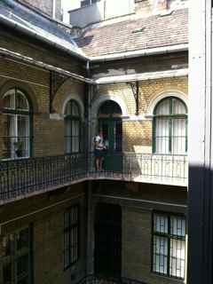 budapest apartment2